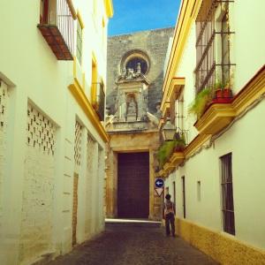 The tiny streets of Jerez.